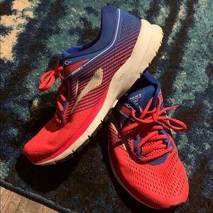 Brooks Shoes - Brooks Women's Launch 5
